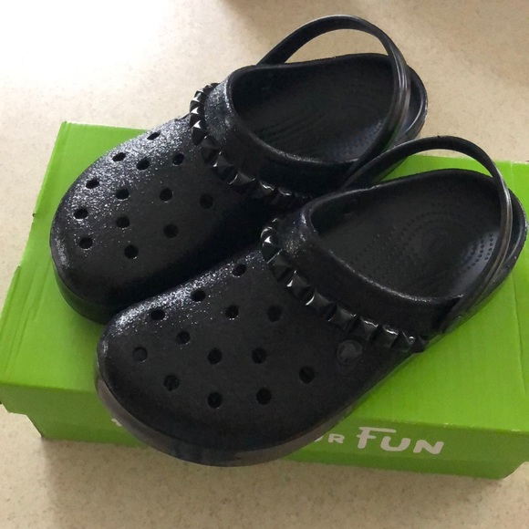 bc6e535ffc4e9b Black Studded Crocs Clogs Size 10